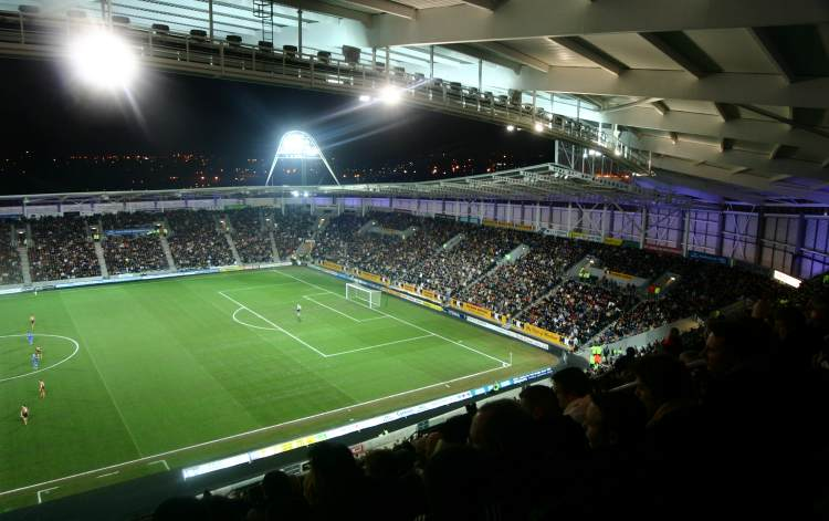 KC Stadium - South und East Stand