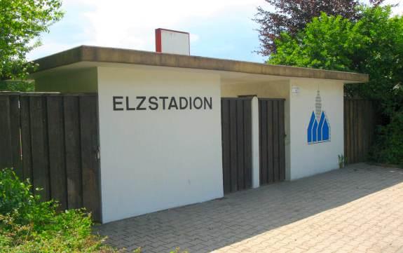 ... Stadion   Geschlossener Eingang