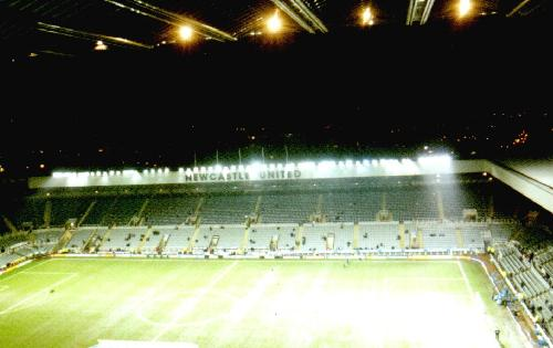St. James' Park - East Stand und Gallowgate End