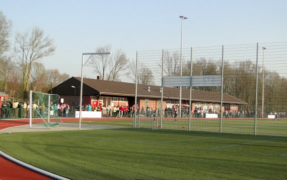 Willy-Lemkens-Sportpark Kunstrasen